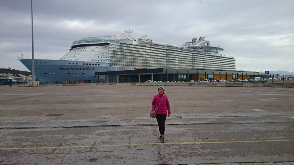 A világ legnagyobb tengerjáró hajójával (8.) Stan & Pan – hajó formájában