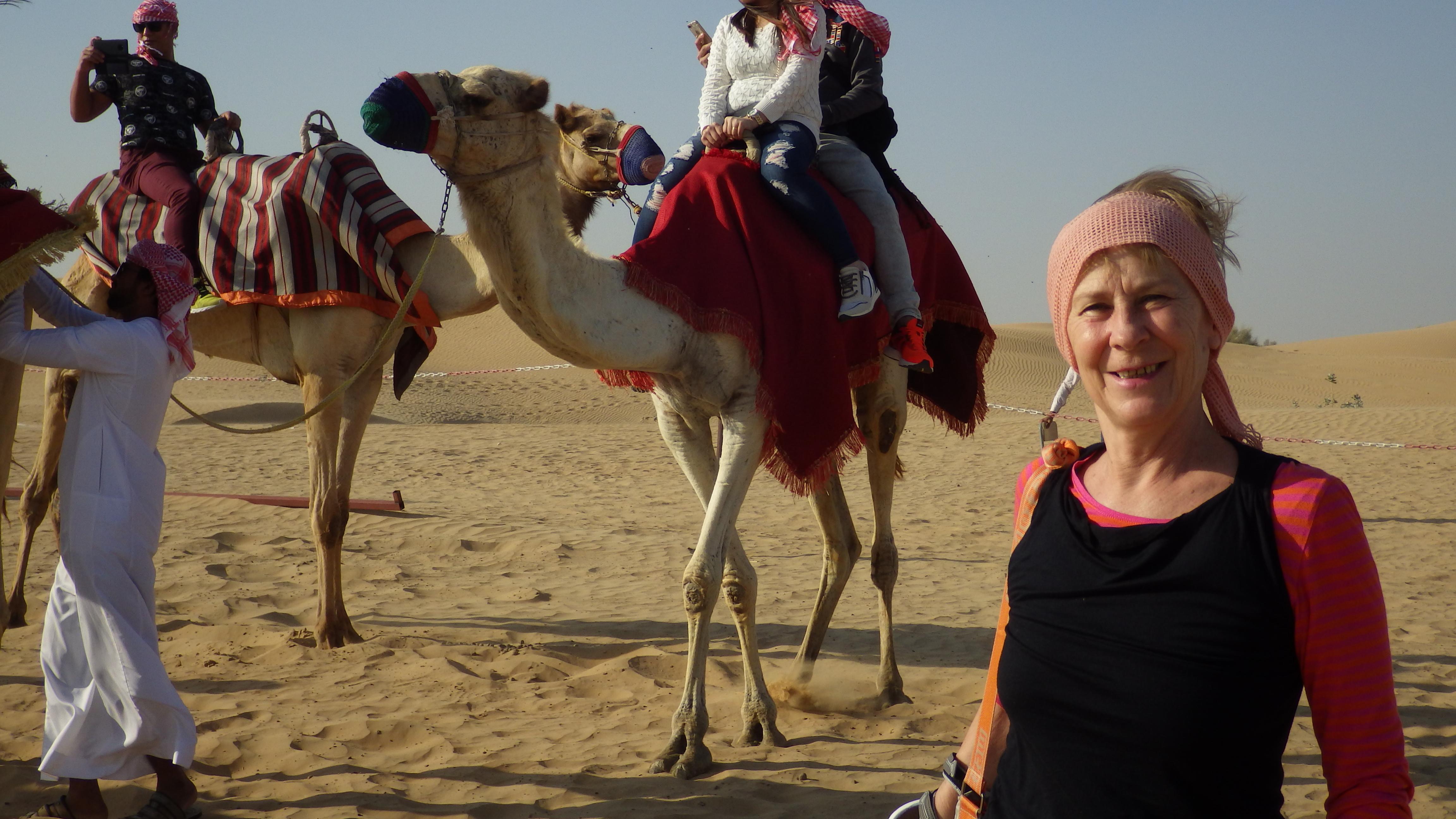 Dubaj (9.) Sivatagi tevegelés